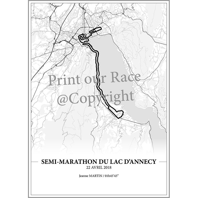 Aperçu de l'affiche réalisée en collaboration avec le cartographe représentant le tracé du semi-marathon du Lac d'Annecy 2018 par Print Your Race