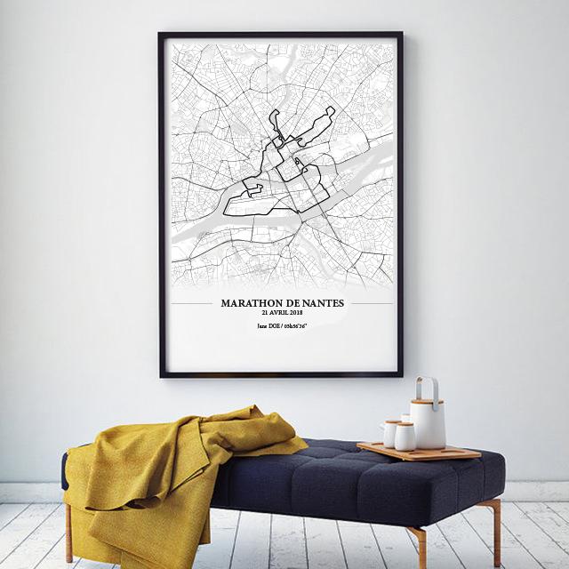 Aperçu de l'affiche encadrée réalisée en collaboration avec le cartographe représentant le tracé du marathon de Nantes 2018 par Print Your Race